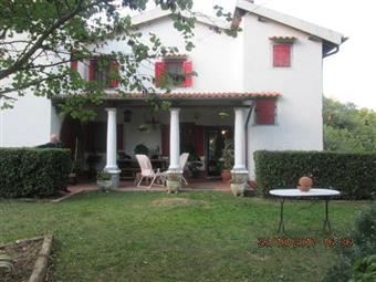 Villa, Crespina Lorenzana, ristrutturata