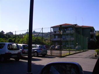 Trilocale, Aci Castello