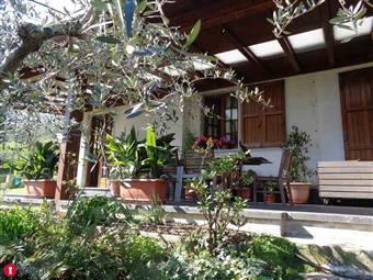 Casa singola in Ceparana, Ceparana, Bolano