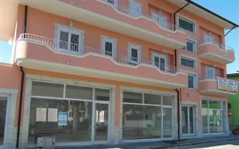 Locale commerciale in Via Roma, Avezzano