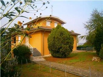 Villa, Corvino San Quirico, abitabile