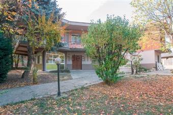 Villa, Stradella, abitabile
