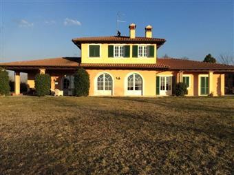 Villa, Castana, abitabile