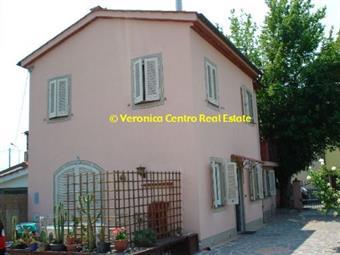 Villino, Lucca, ristrutturato