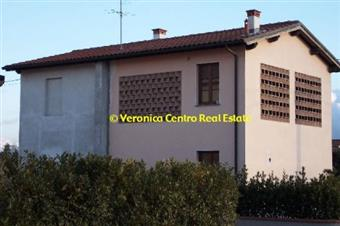 Villino, San Cassiano a Vico, Lucca, ristrutturato