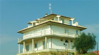 Villa in Stella Di Monsampolo, Monsampolo Del Tronto