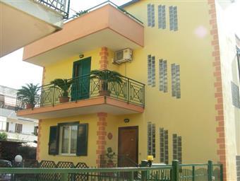 Villa a schiera, Sant'arpino, in ottime condizioni
