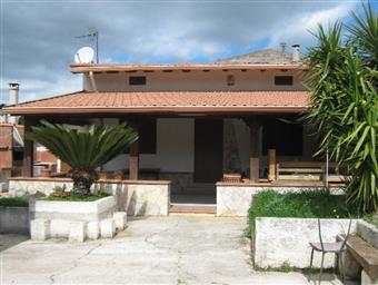 Villa, Montelepre