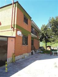 Bifamiliare in Via Ponte Ladrone, Acilia, Roma