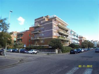 Attico, Ostia, Roma, da ristrutturare