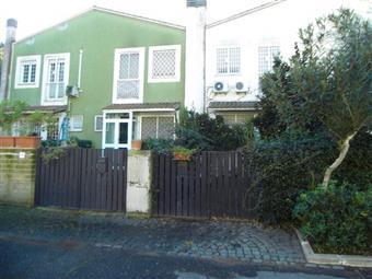 Villa a schiera in Via Gorgia Di Leontini, Axa, Casalpalocco, Vitinia, Acilia, Roma