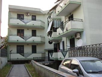 Palazzo in Viale Alessandro Manzoni, Poggiomarino