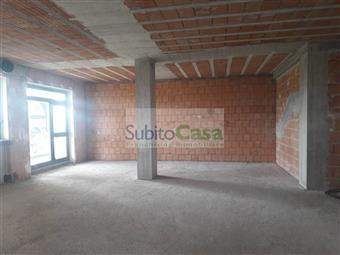 Locale commerciale in Via Gran Sasso, Villa Oliveti, Rosciano