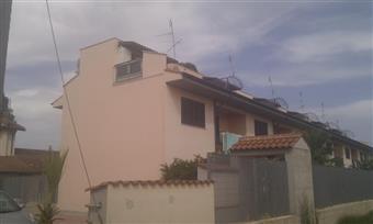 Villa a schiera in Strada Della Speranza, Borgo Bainsizza, Latina