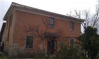 Rustico casale, Borgo Carso, Latina, da ristrutturare