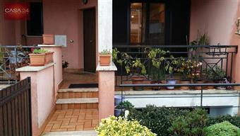 Villa a schiera in Strada Foce Verde, Borgo Sabotino, Latina