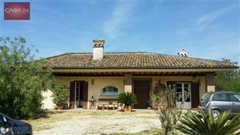Villa in Str. Piscina Scura, Borgo Isonzo, Latina