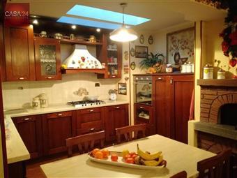 Villa a schiera in Via Cherubini, Latina