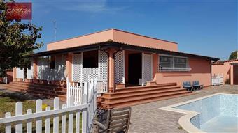 Villa in Strada Valmontorio, Borgo Sabotino, Latina