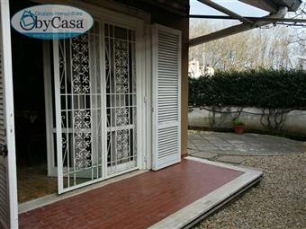 Villa a schiera in Via Roma, Quadroni, Manziana