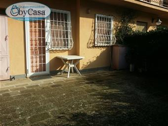 Trilocale in Via Santa Severa, Quadroni, Manziana