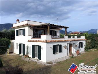 Villino in Via Sugarelle, Salto Di Fondi, Fondi