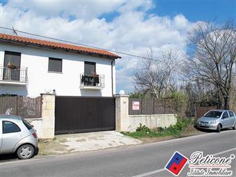 Villino in Via Sant'anastasia, Fondi