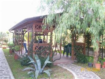 Villa, Calvizzano, seminuova