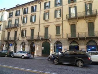 Appartamento in C.so Cavour 31, Centro Storico, Verona
