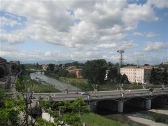 Quadrilocale in Via Cecchi 9, Oltretorrente, Parma