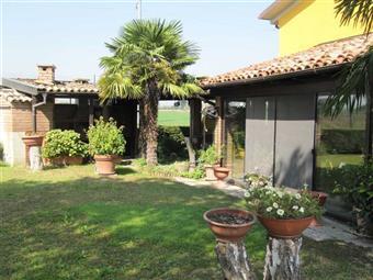 Casa singola in Via Canale Naviglio, Parma