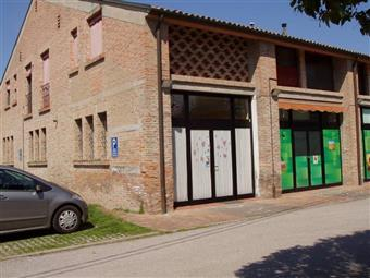 Locale commerciale, Casaglia, Ferrara
