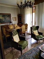Appartamento in Viale Cesare Battisti, Centro Storico, Ferrara