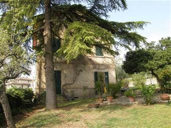 Villa, Colli Del Tronto, in ottime condizioni