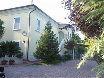 Villa, Monteprandone, ristrutturata