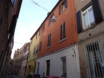 Trilocale in Via Centoversuri, Ferrara