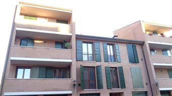 Quadrilocale in Via Lanfranco Caretti, Borgo Punta, Ferrara