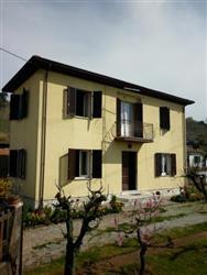 Casa singola in Via Cocombola, Periferia, Massa