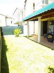 Casa semi indipendente in Via Torello Baracchini, Marina Di Massa, Massa