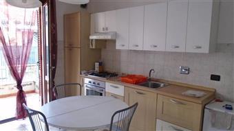 Appartamento in Via Baracchini, Marina Di Massa, Massa