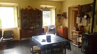 Casa semi indipendente in Via Capannelle, Periferia, Massa