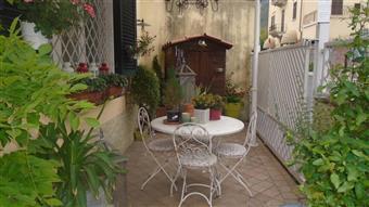 Casa semi indipendente in Vicolo Convento, Periferia, Massa