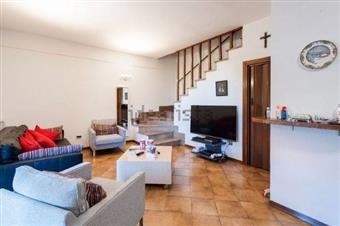 Villa a schiera in Via Venezia, Marina Di Massa, Massa