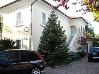 Villa, Monteprandone, in ottime condizioni