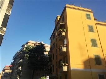 Quadrilocale in Via Degli Abeti, Casilina, Prenestina, Centocelle, Alessandrino, Roma