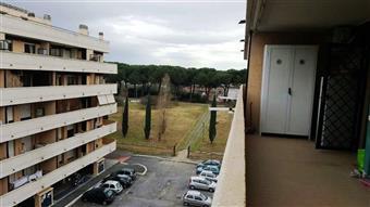 Bilocale in Via Raoul Chiodelli, Lunghezza, Roma