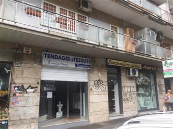 Locale commerciale in Viale Della Serenissima, Roma