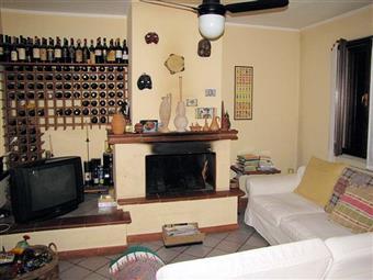 Casa semi indipendente in Via S.leonardo, Marina Di Massa, Massa