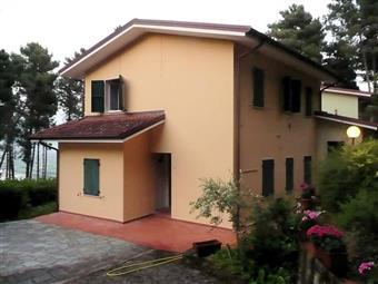 Trilocale in Via Camillo Benso Conte Di Cavour, Montemarcello, Ameglia