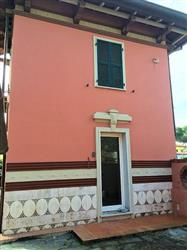 Villa in Via Delle Pinete, Marina Di Massa, Massa
